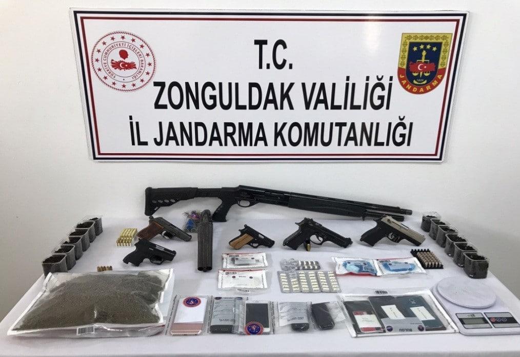 4 ilde eş zamanlı yapılan uyuşturucu operasyonunda 10 zanlı tutuklandı