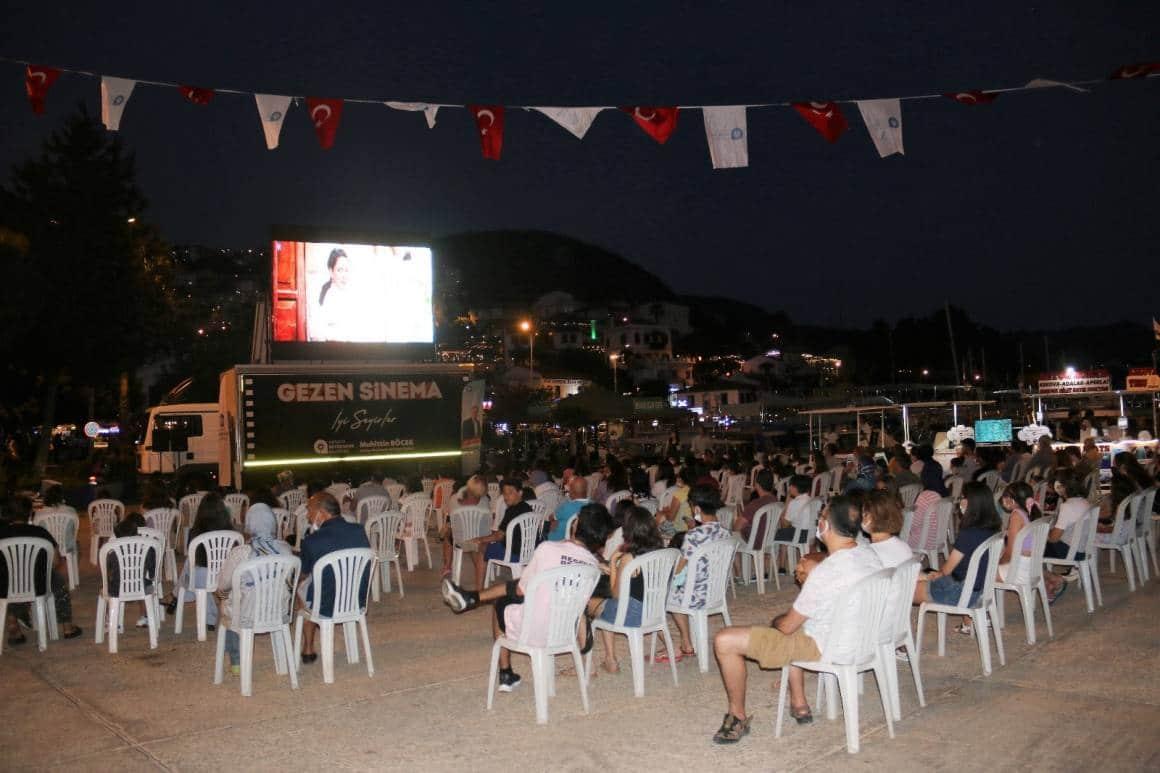 9 ilçede açık havada 'Ayla' filmi izlendi