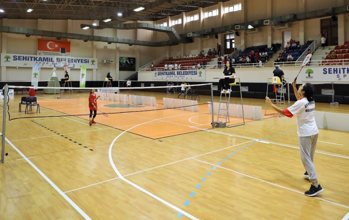 Badmintoncular, 15 Temmuz Kupası'nda yarıştı
