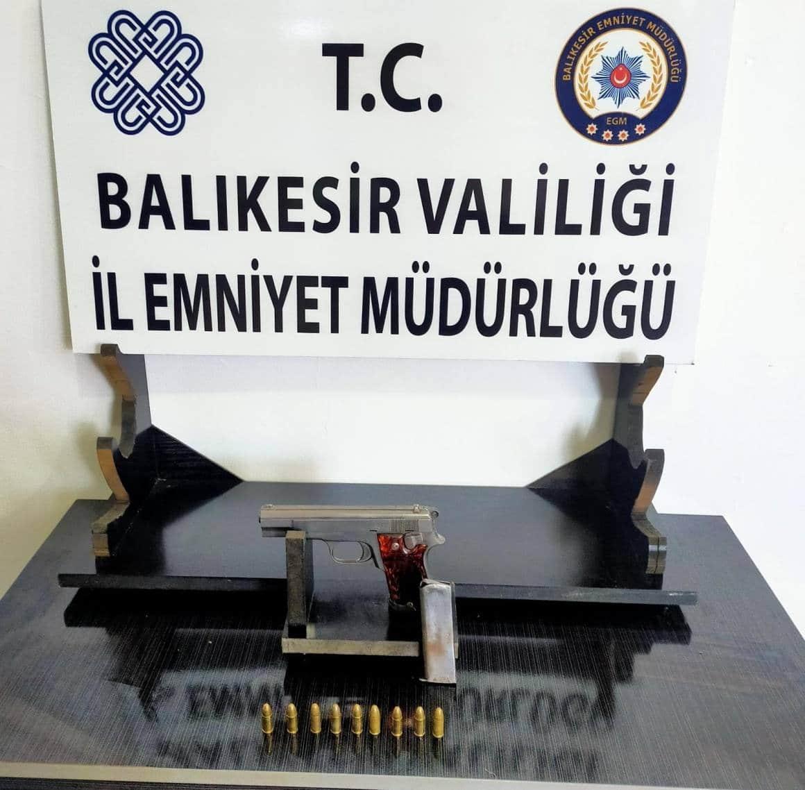 Balıkesir'de 30 gözaltı