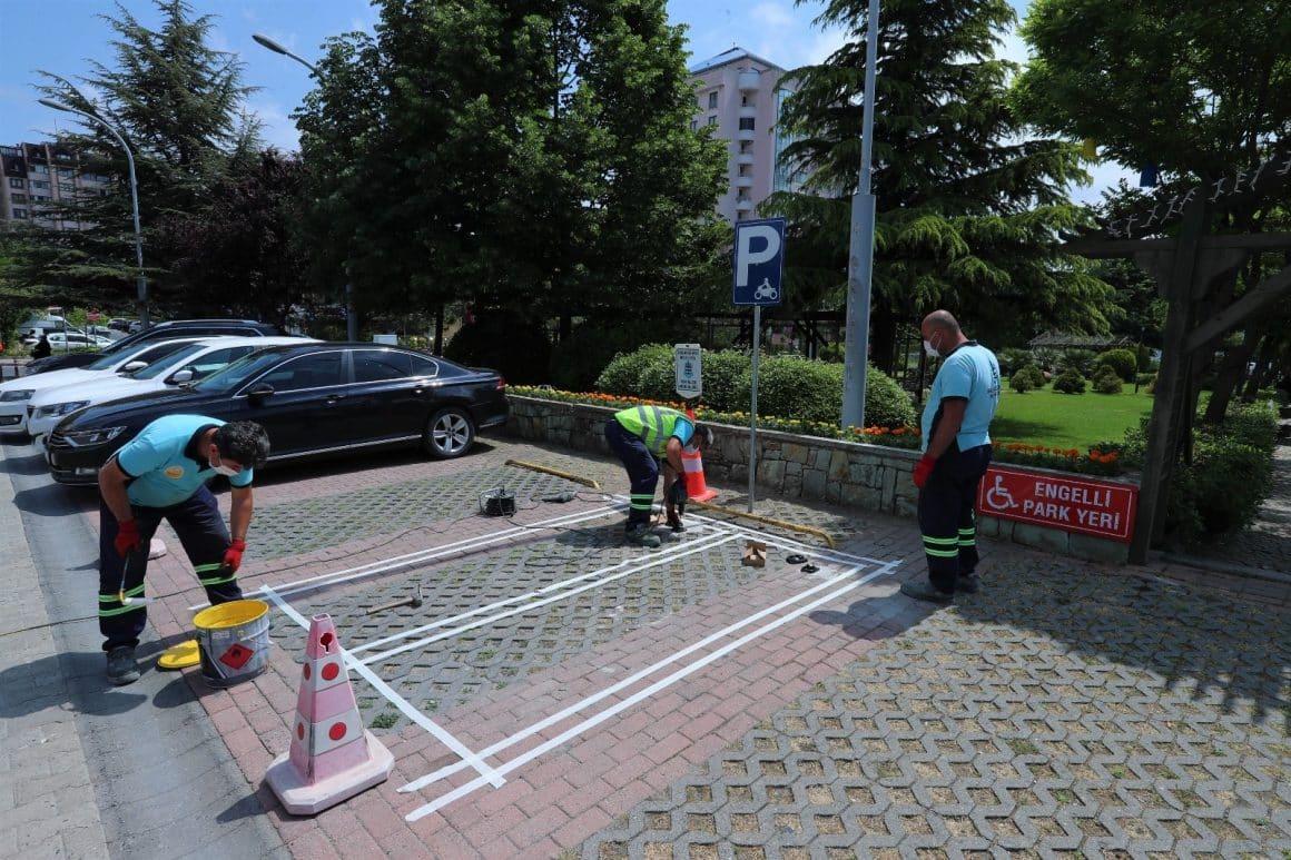Başakşehir'de kilitli motosiklet park alanları açıldı