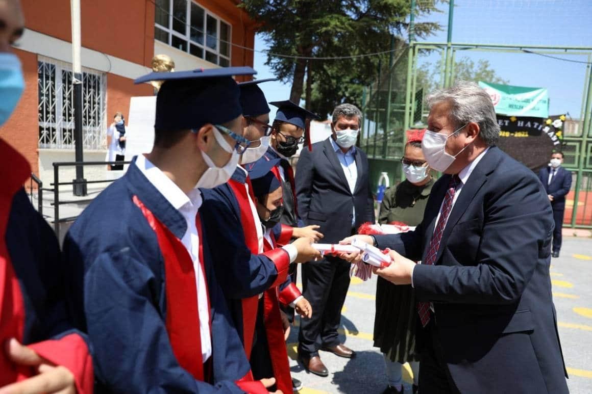 Başkan Palancıoğlu özel öğrencilerin mezuniyet törenine katıldı