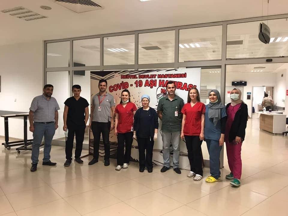 Bursa'da rekor kırıldı…Sağlıkçıların gece gündüz aşı nöbeti