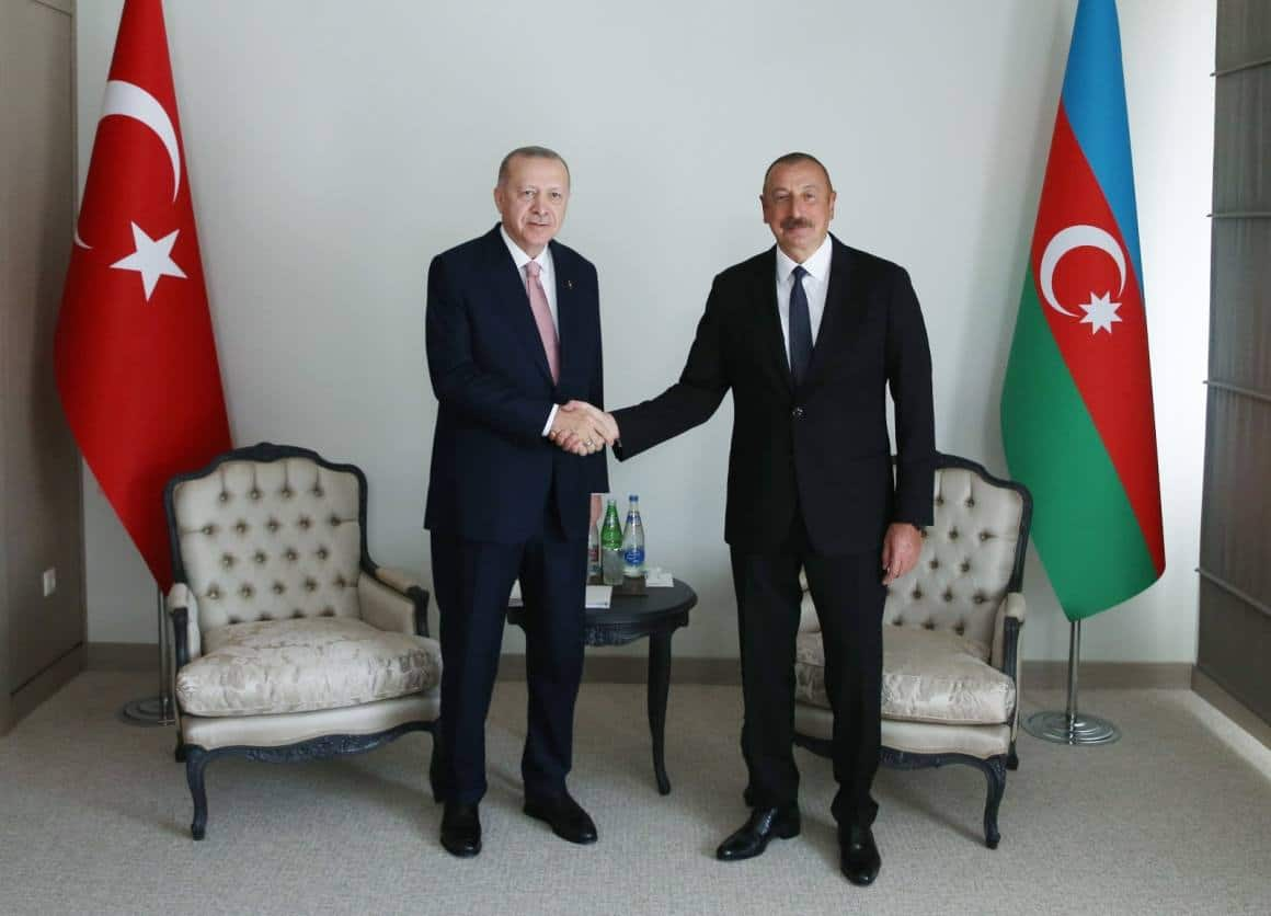 Cumhurbaşkanı Erdoğan, Aliyev ile bir araya geldi