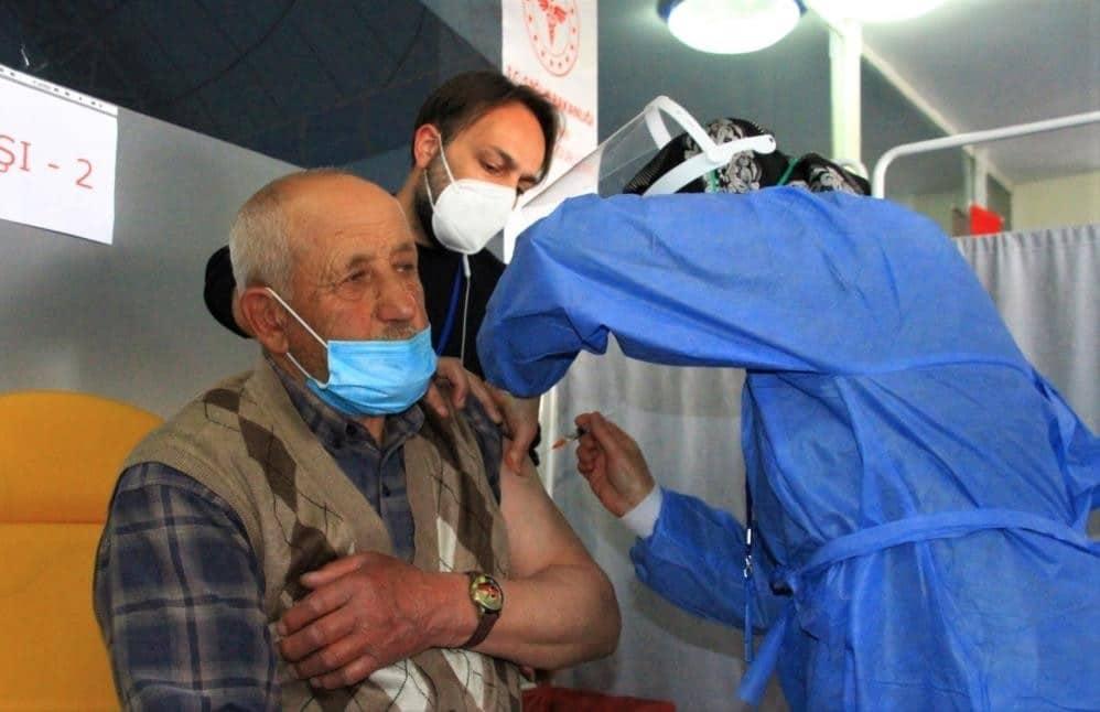 Erzincan'da 93 bin 632 kişi aşılandı