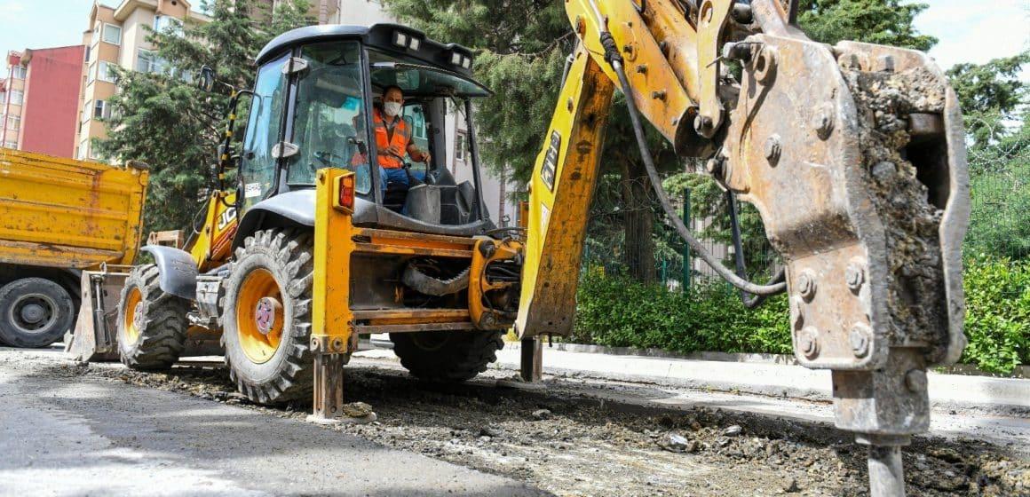 Esenyurt'un yolları yenilenmeye devam ediyor