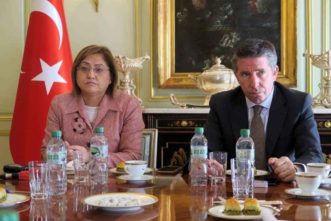 """Fatma Şahin: """"Dünya küresel bir sorunla karşı karşıya"""""""