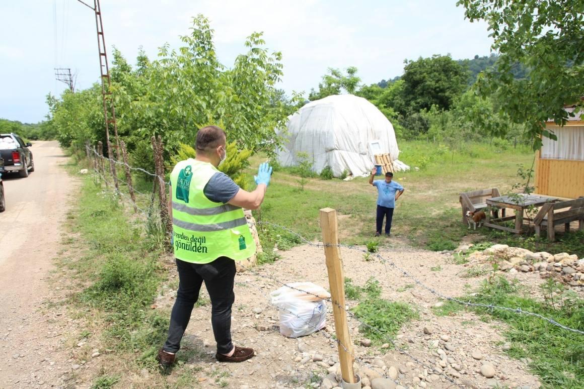 Fatsa Belediyesi'nden karantinadaki mahalleye gıda desteği