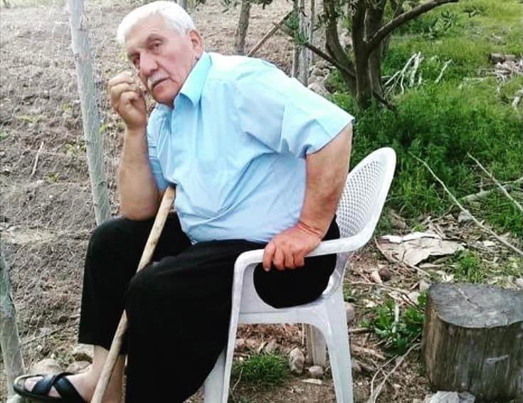 Hareket eden traktörü durdurmak isterken hayatını kaybetti