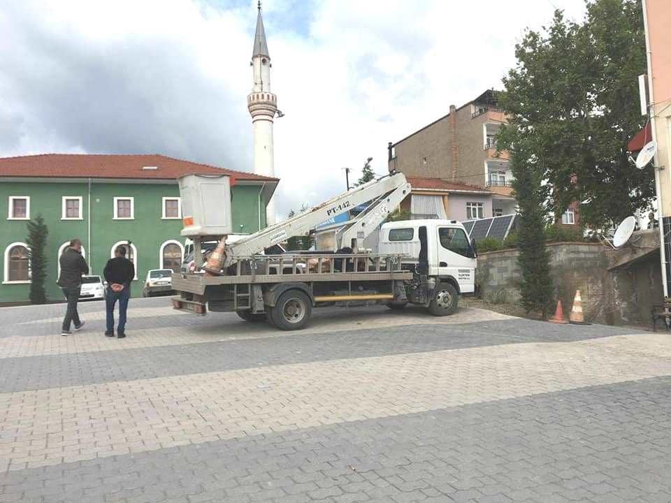 Hisarcık'ta elektrik arıza ekibi göreve başladı