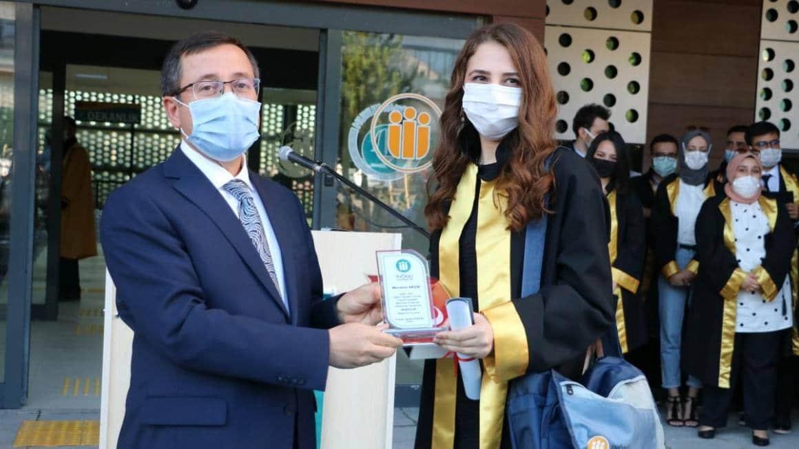 Hukuk Fakültesi'nde mezuniyet töreni