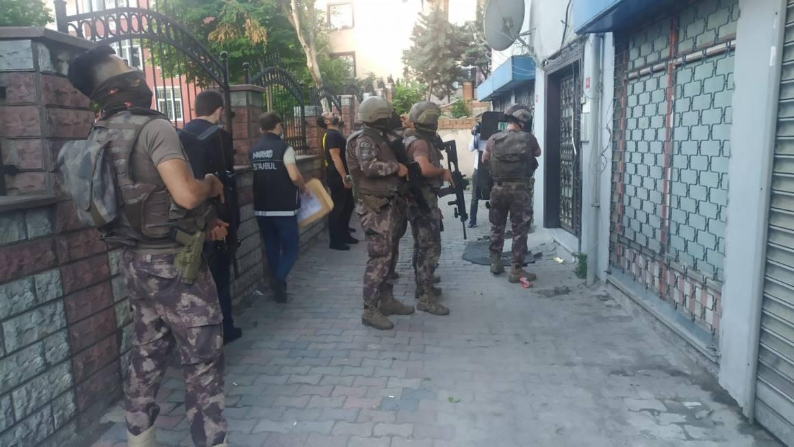 İstanbul'da örgütlü uyuşturucu satıcılarına yönelik eş zamanlı operasyon: 32 gözaltı