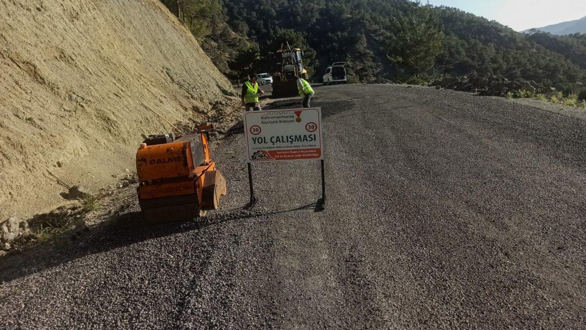 Kahramanmaraş'ta 5 mahallede yol bakım onarım çalışması yapılıyor