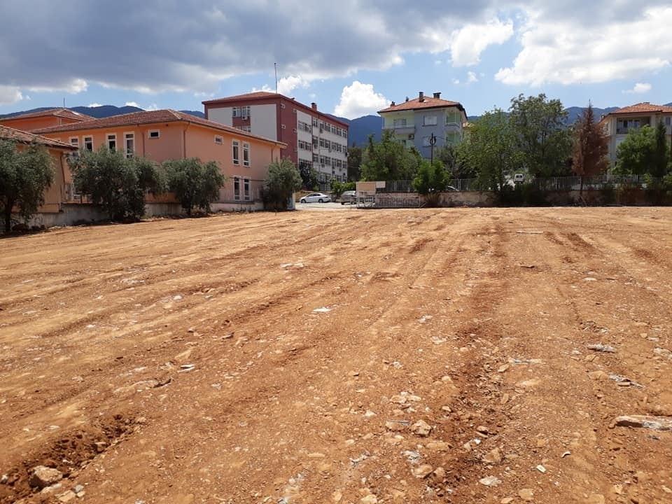 Karacasu'da geçici otopark alanı çalışmaları tamamlandı