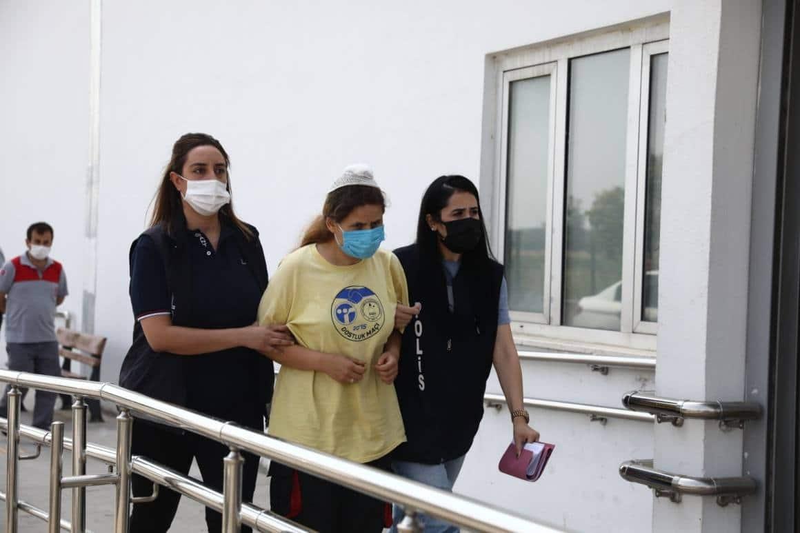 Kayınbabasını bıçaklayan gelin tutuklandı