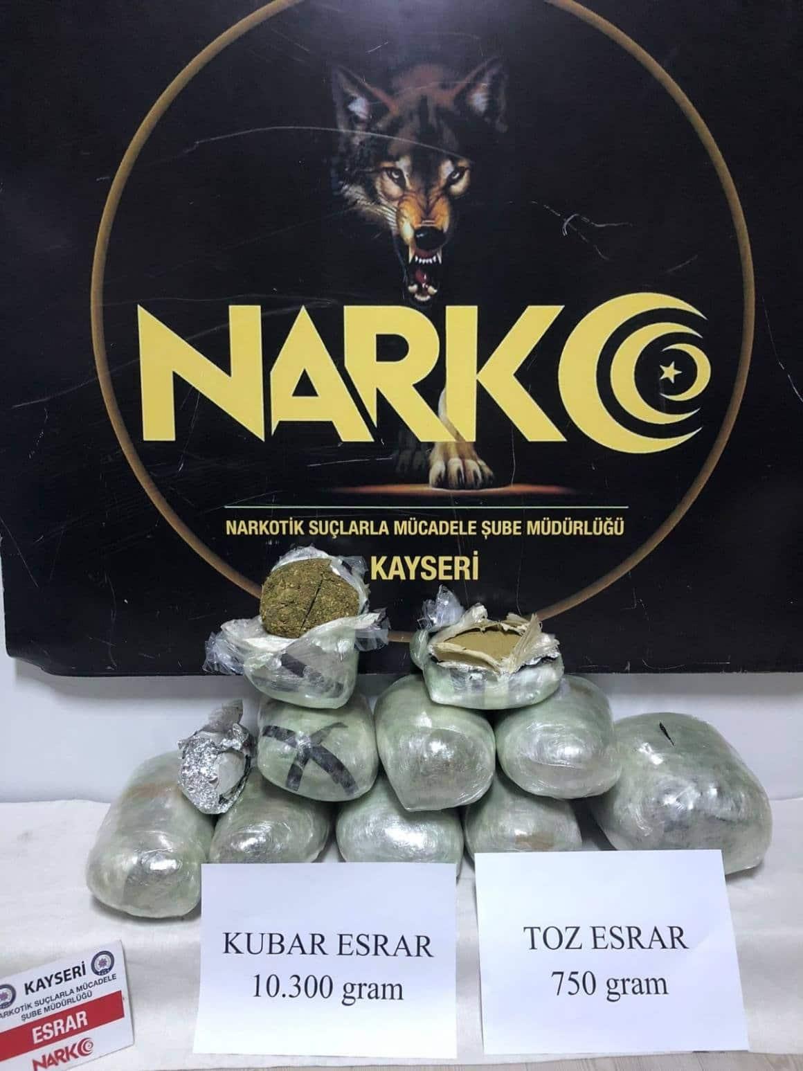 Kayseri'de kargo aracına uyuşturucu operasyonu: 10 kilo esrar ele geçirildi