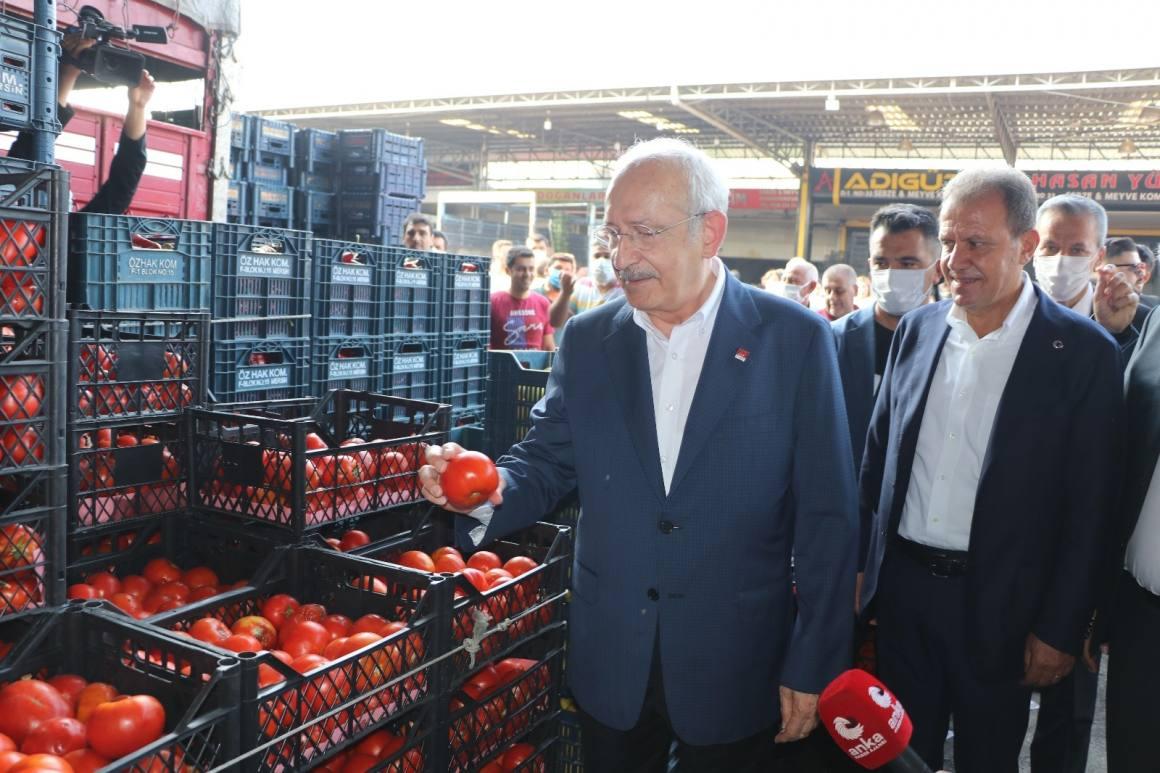 Kılıçdaroğlu, Mersin'de hal esnafıyla buluştu