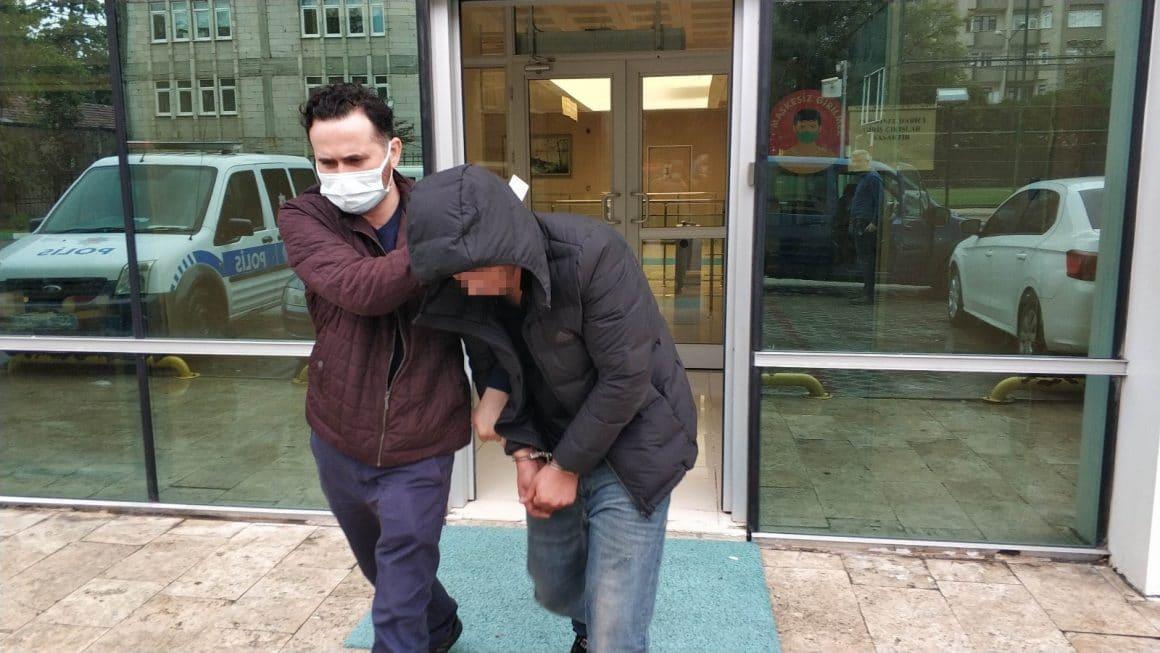 Kız arkadaşının evini taşladı, polisler yakalayınca Atatürk'e hakaretten tutuklandı