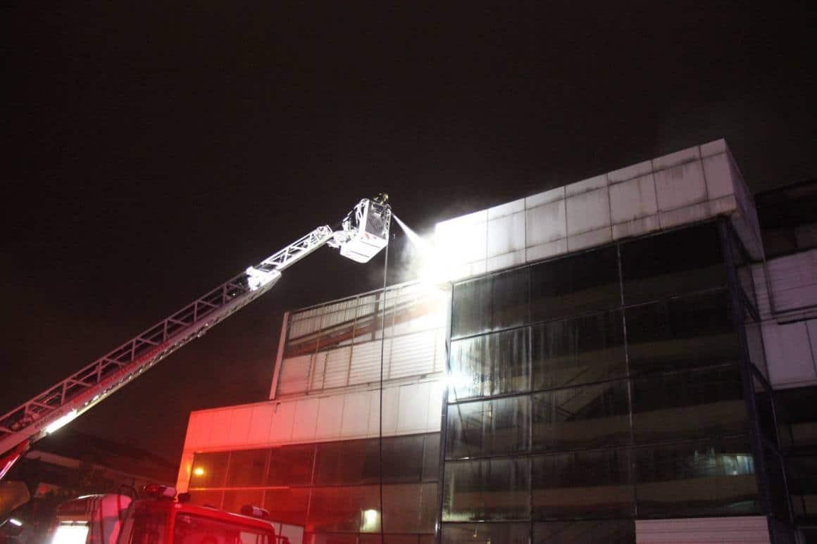 Kullanılmayan iş yerinde yangın çıktı