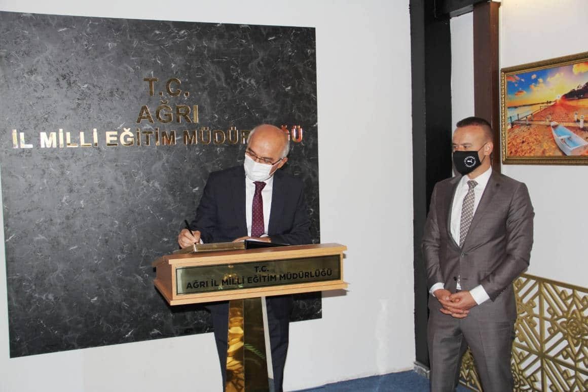 MEB Ölçme, Değerlendirme ve Sınav Hizmetleri Genel Müdürü Şensoy'dan Tekin'e ziyaret