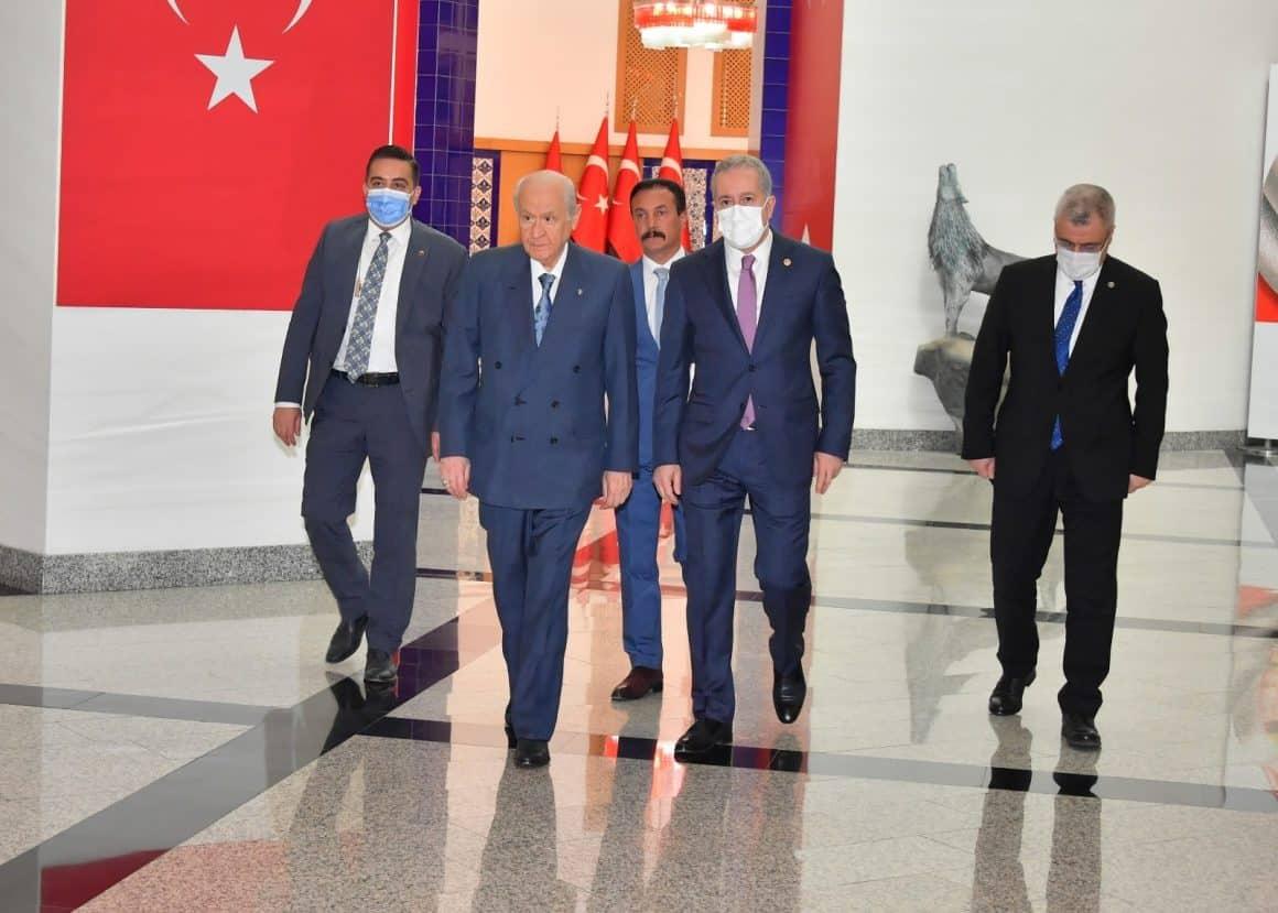 MHP lideri Bahçeli, partisinin belediye başkanları ile bir araya geldi