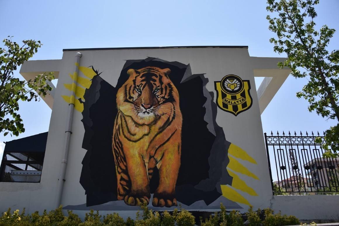 Malatya caddeleri resimlerle güzelleşiyor