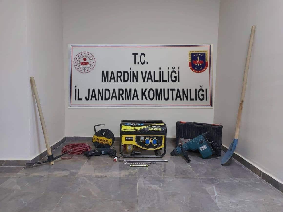 Mardin'de izinsiz kazı yapan 7 defineci suçüstü yakalandı
