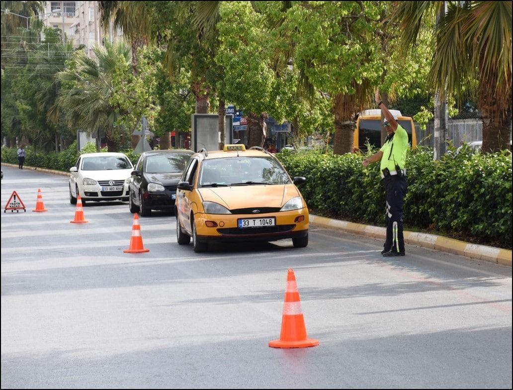 Mersin'de 4 günde 4 bin 824 araç denetlendi