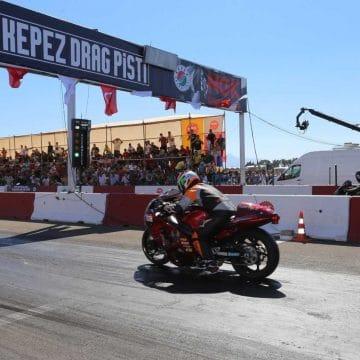 Motodrag yarışlarında dereceye girenler ödüllendirildi