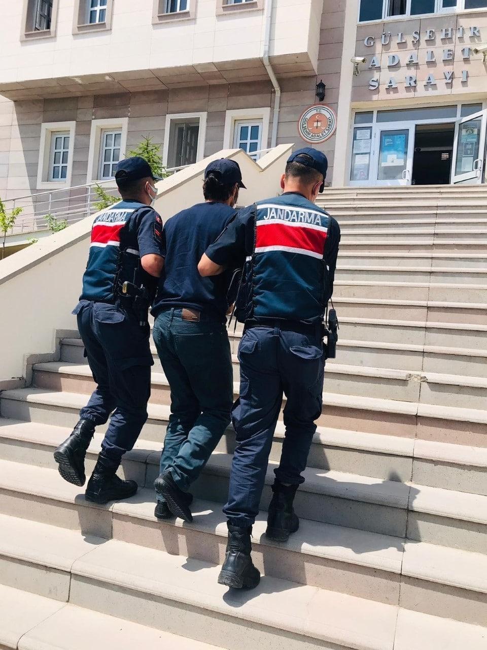 Nevşehir'de 10 ayrı suçtan 17 yıl hapis cezası ile aranan firari yakalandı