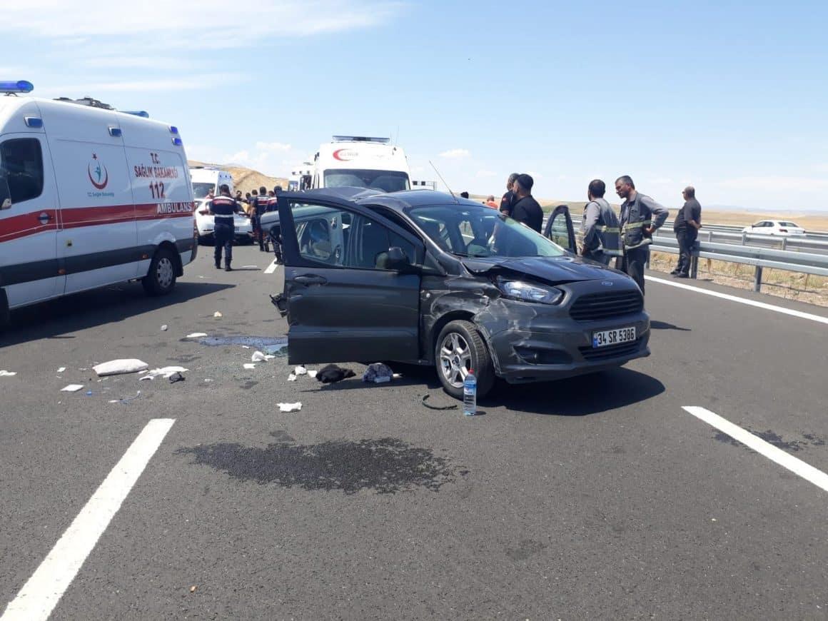 Niğde Otoyolu'nda trafik kazası: 11 yaralı
