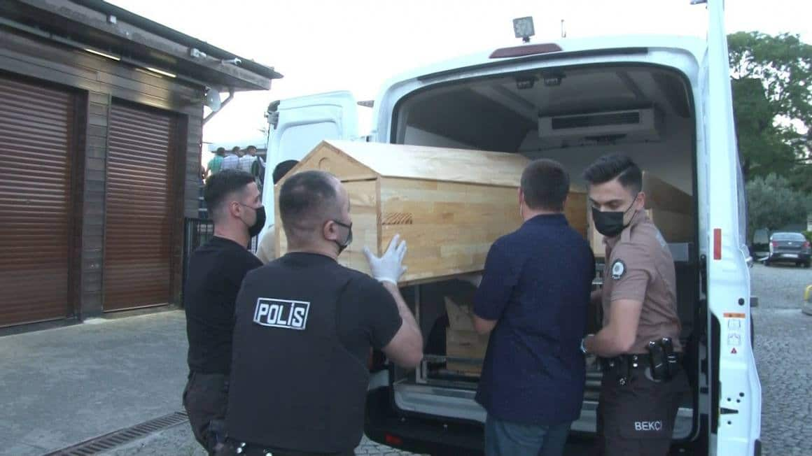 (ÖZEL) Kasımpaşa sahilinde erkek cesedi bulundu