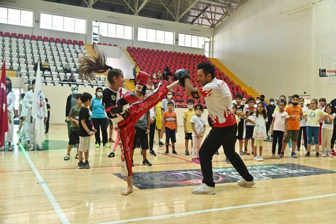 Osmaniye'de 'Yaz Spor Okulları ve Engelsiz Spor Okulları' açıldı