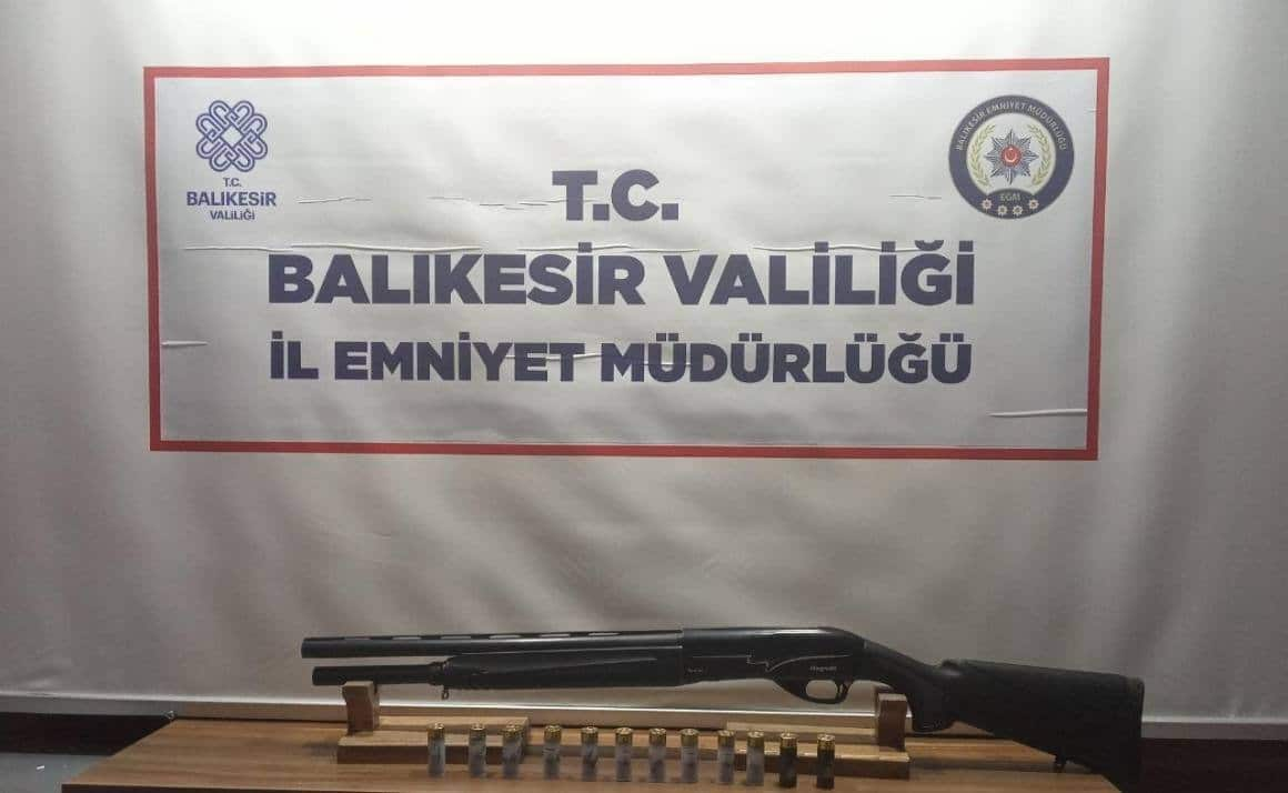 Polisten 23 şahsa huzur operasyonu