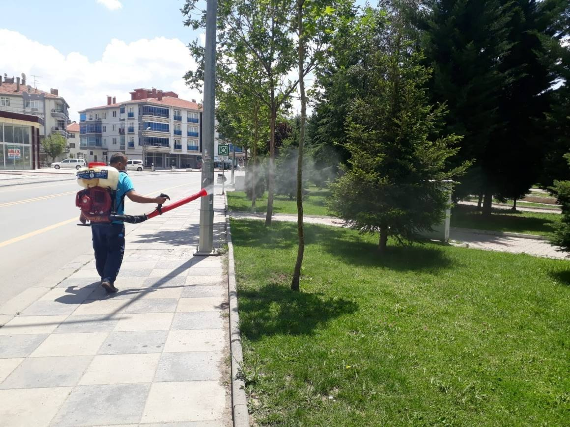 Pursaklar'da haşerelerle etkin mücadele
