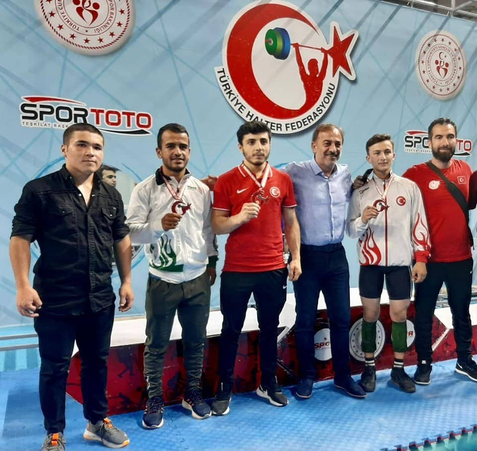 Pursaklar'dan, Gençler ve U23 Türkiye Halter Şampiyonası'nda üç gümüş madalya daha