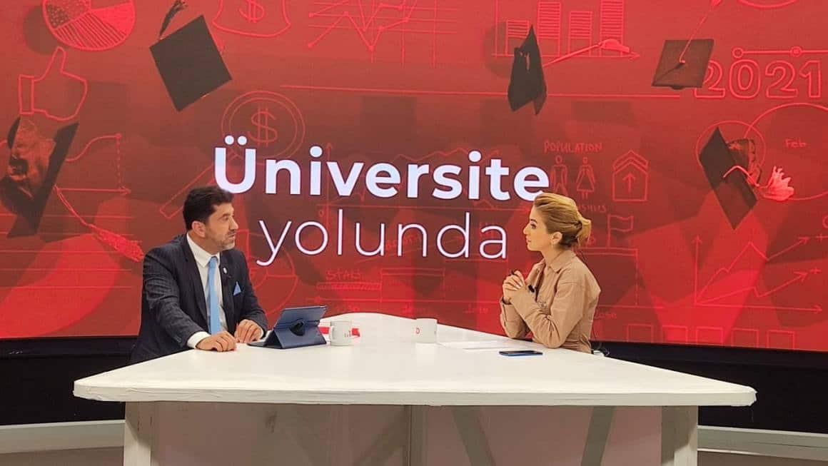 Rektör Aldemir, 'Gençlere açık medeniyette öncülük etme sorumluluğunu yüklemek, önceliğimiz'
