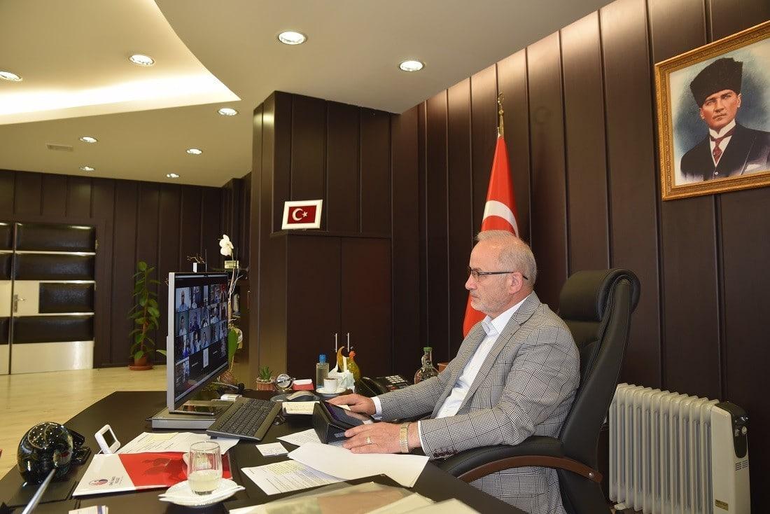 Rektör Ünal, 'Yüksek Din Öğretimi Çalıştayı'nda fikir ve önerilerini paylaştı