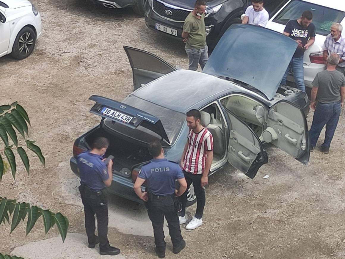 Satın alacağı araç noterdeyken alev aldı