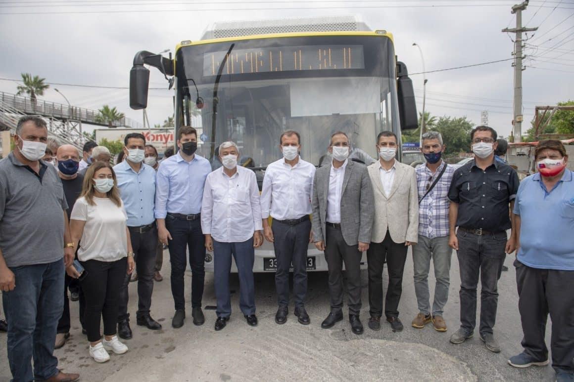 Seçer, otobüsle Tarsus'taki yol çalışmalarını inceledi