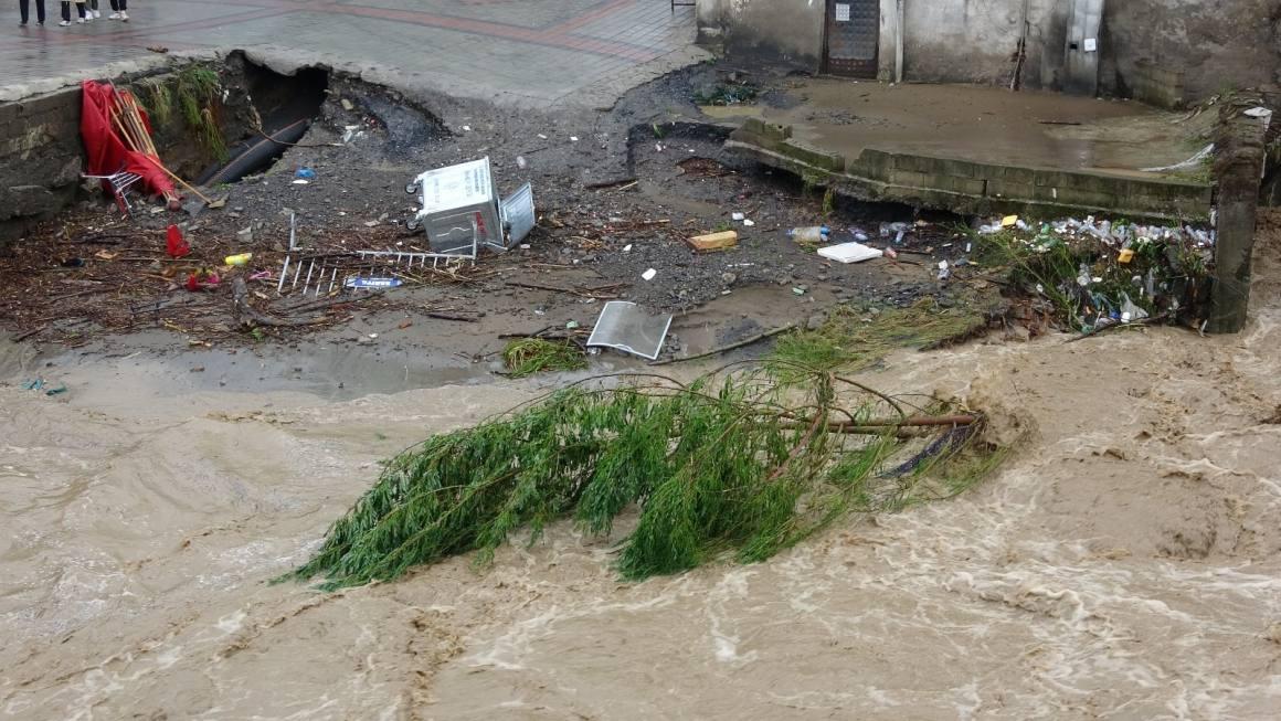 Sel felaketinin ardından yaralar sarılıyor