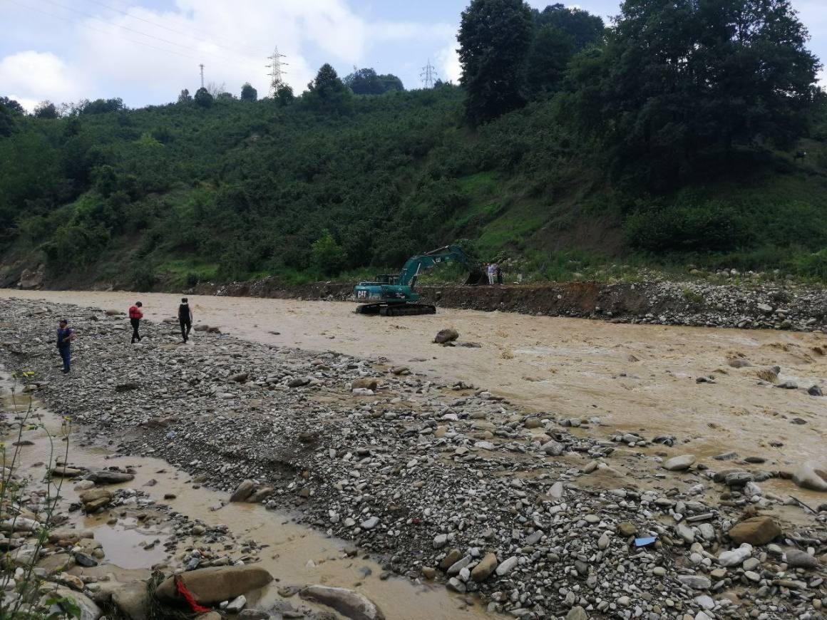Selin vurduğu köyde mahsur kalan 56 kişi için kurtarma çalışması başlatılıyor