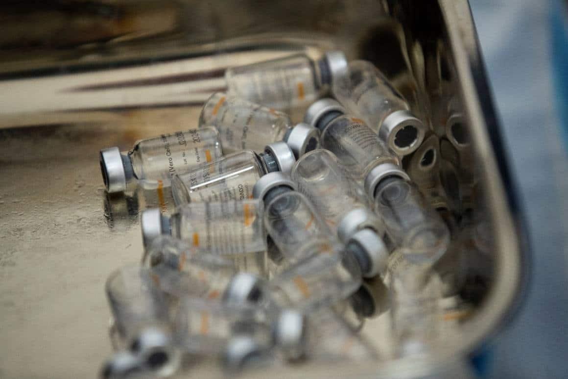 Şili'de Pfizer/BioNTech aşısının 12-16 yaş arasında kullanımına onay