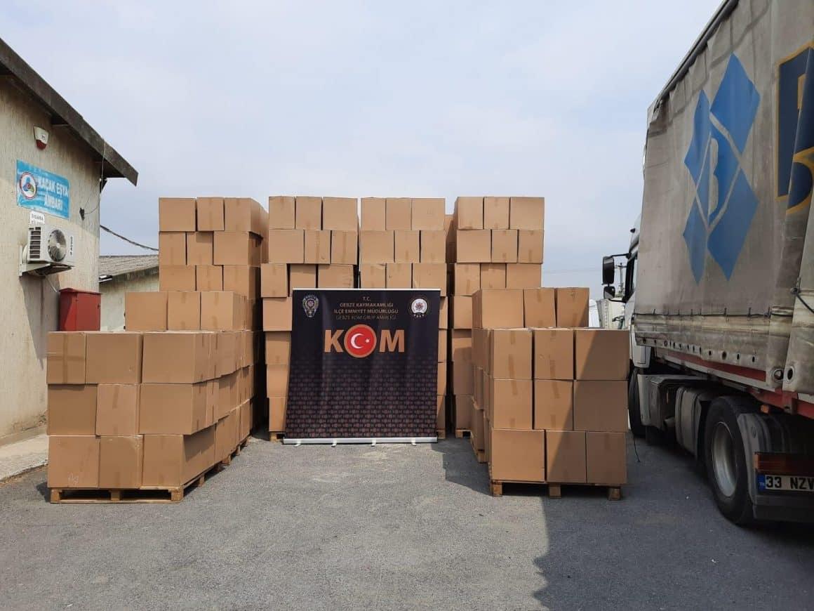 Tır ve depodan milyonlarca kaçak ürün çıktı