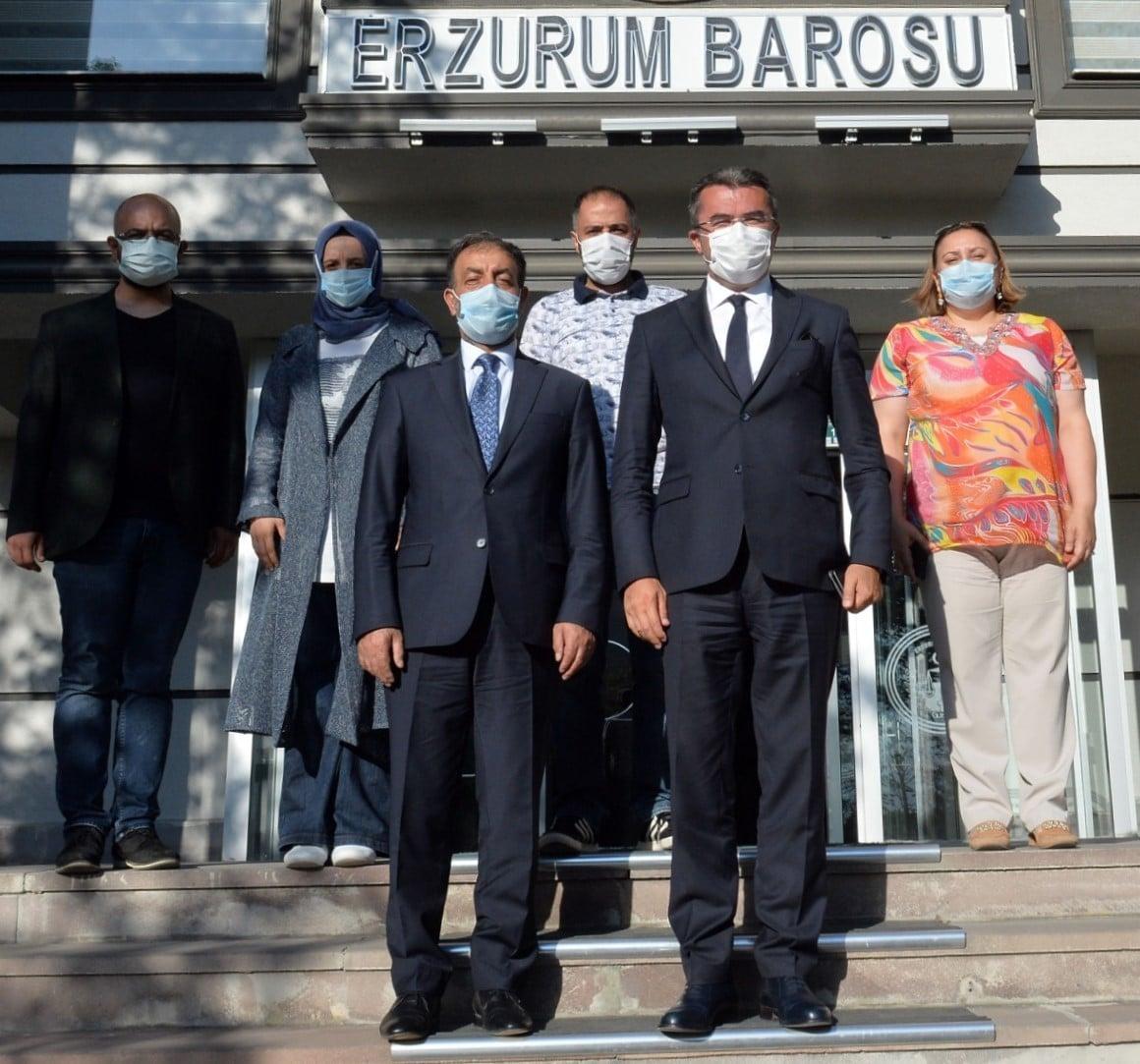 Vali Okay Memiş, Baro Başkanı Göğebakan'ı tebrik etti