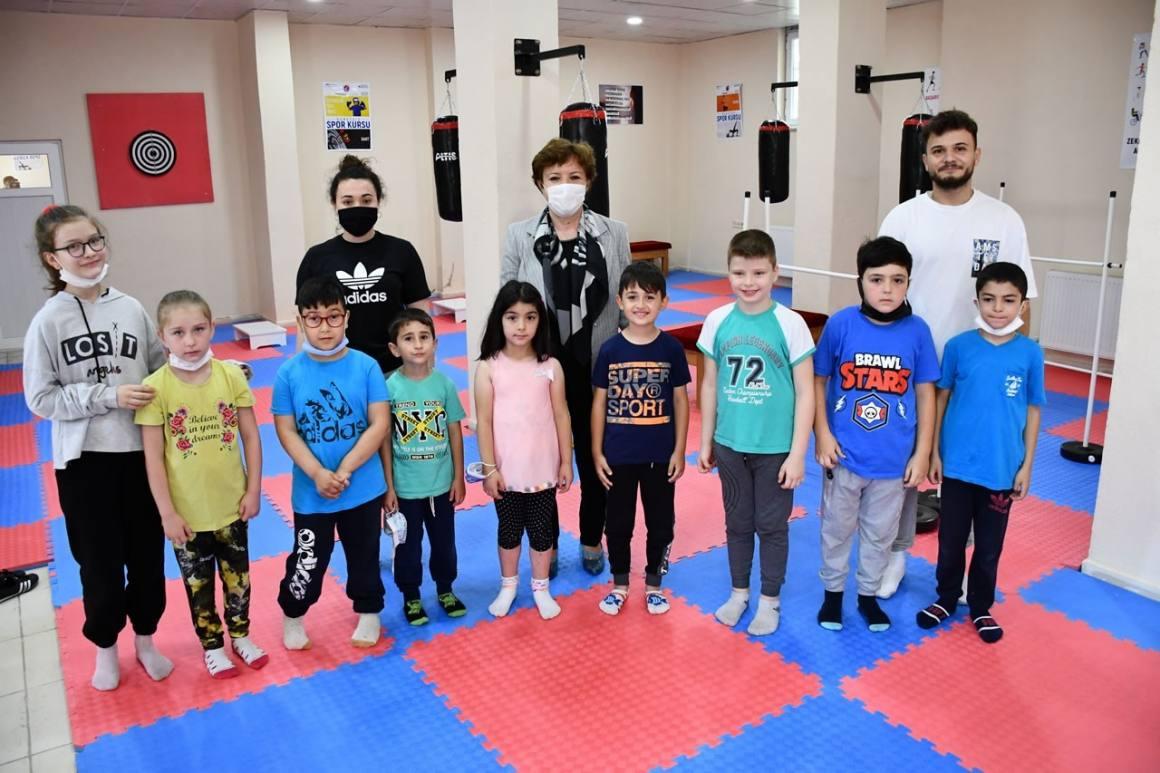 Yaylacık SYM'de çocuklar için spor salonu ve kütüphane hizmete açıldı