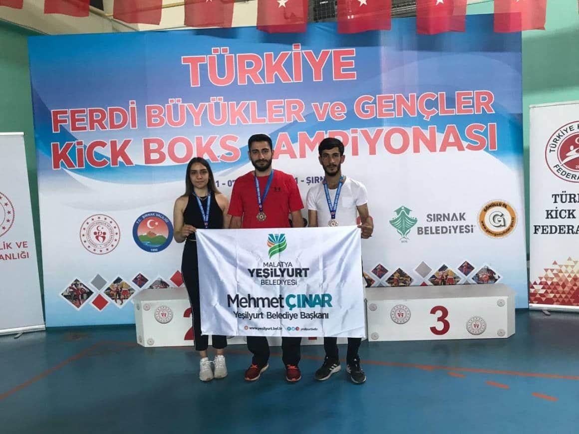 Yeşilyurt Belediyesi kıck-boks sporcuları, Şırnak'tan başarılarla döndü