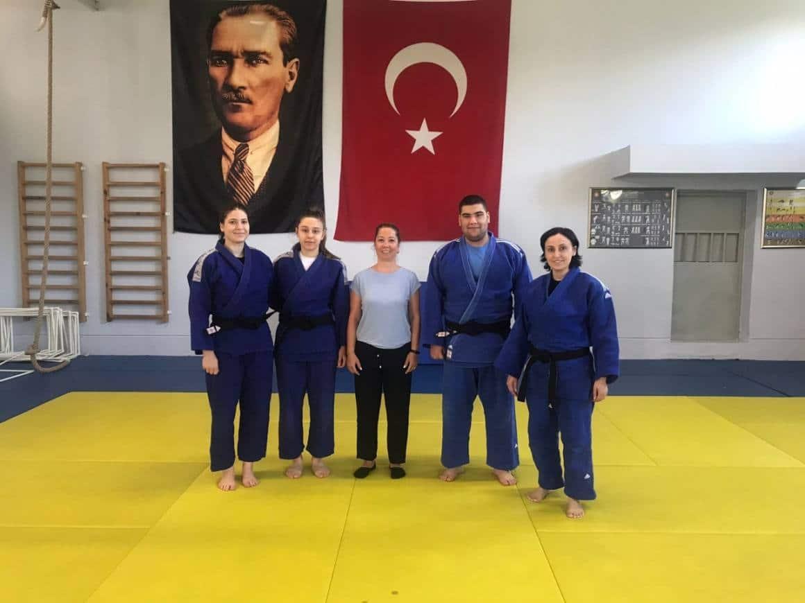 Yunusemreli judocular Romanya yolcusu
